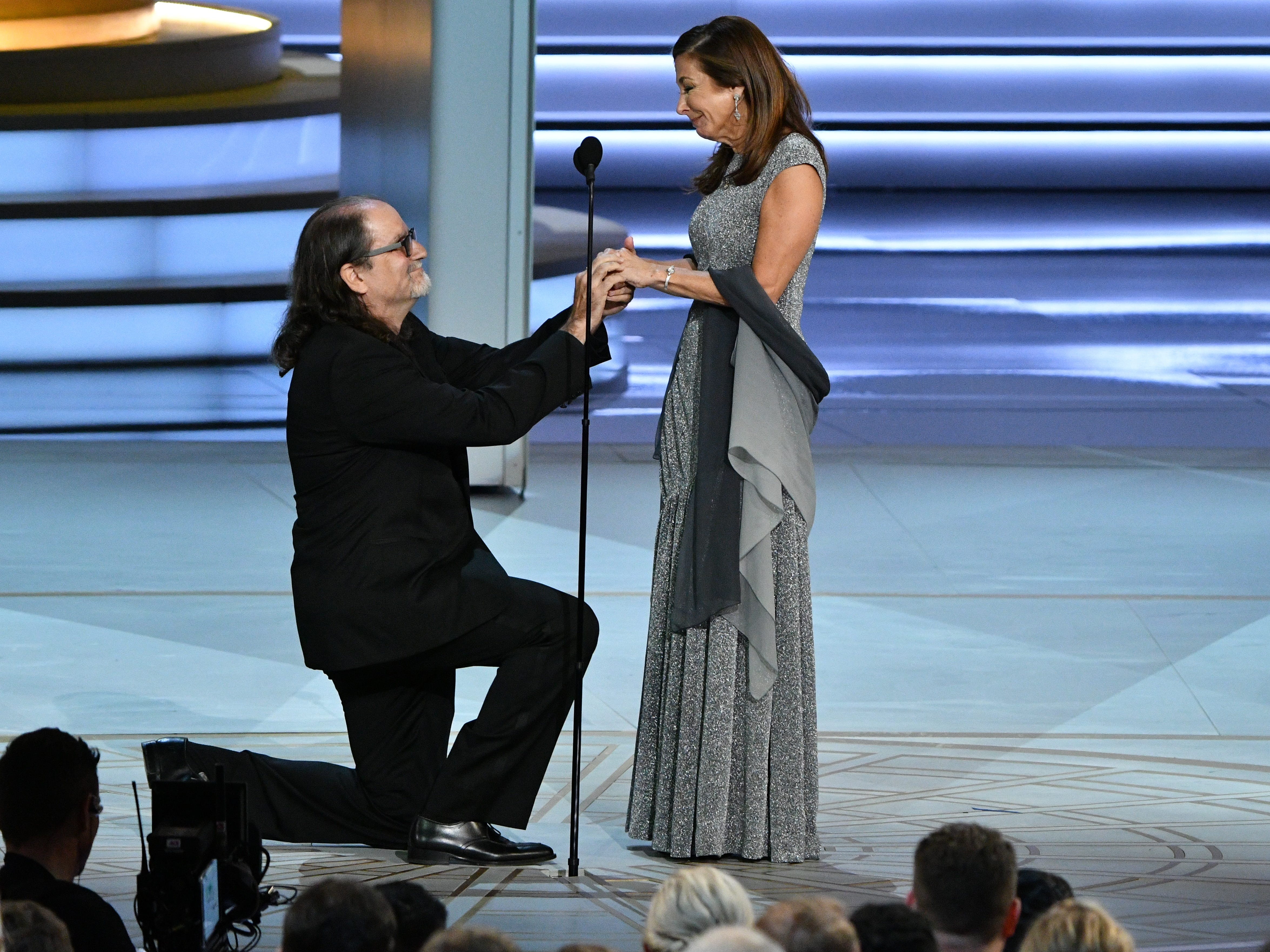 Glenn Weiss proposes to his girlfriend after accepting the award for outstanding directing for a variety special.