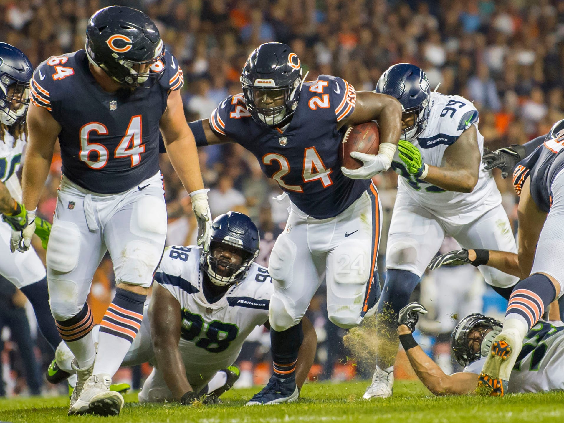 Chicago Bears running back Jordan Howard runs the ball against the Seattle Seahawks.