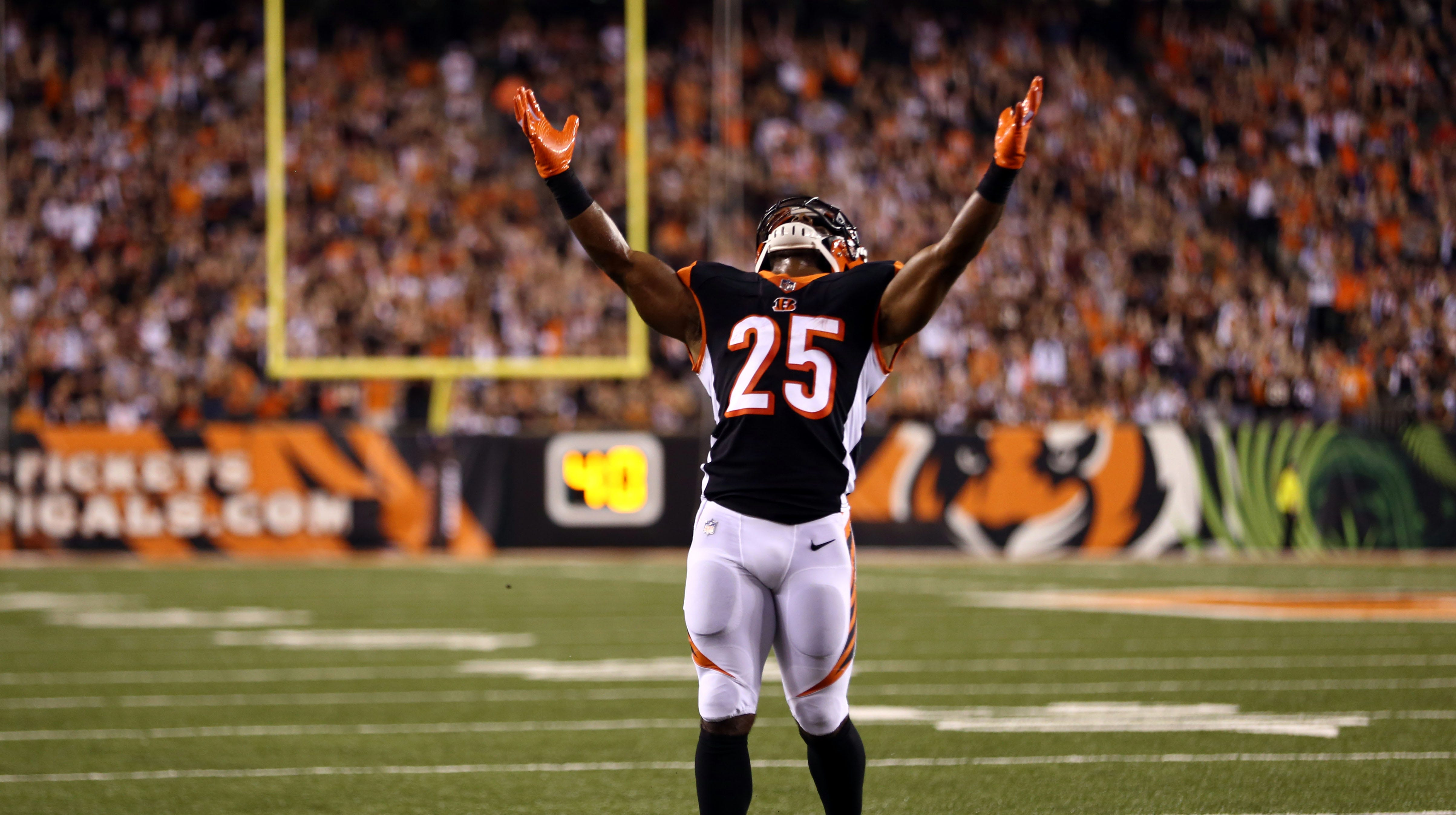 Fantasy football waiver wire: Gio Bernard, Corey Clement provide short-term RB help