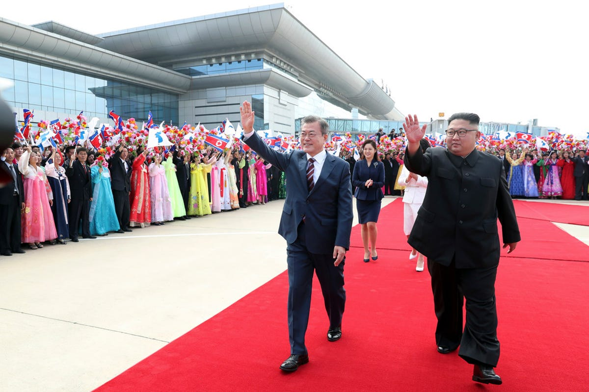 Korean summit: Kim Jong Un, Moon Jae-in meet for third time