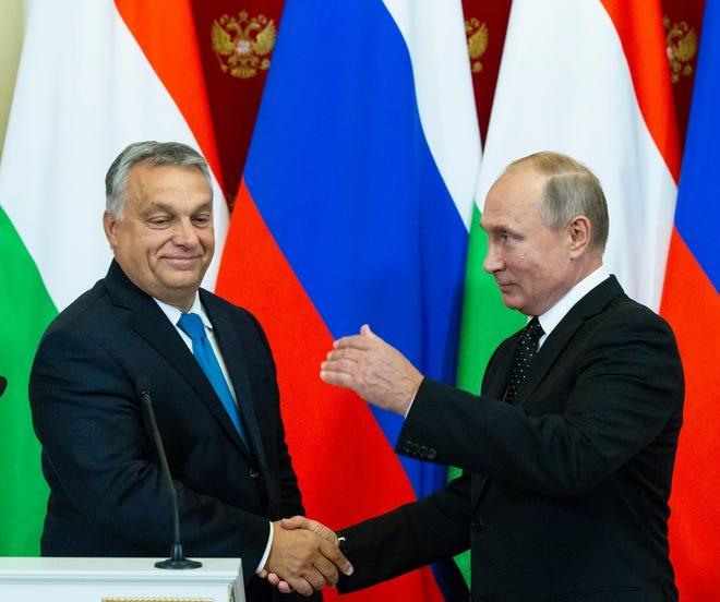 Russian President Vladimir Putin and Hungarian Prime Minister Viktor Orban, Moscow, Russia, Sept. 18, 2018.
