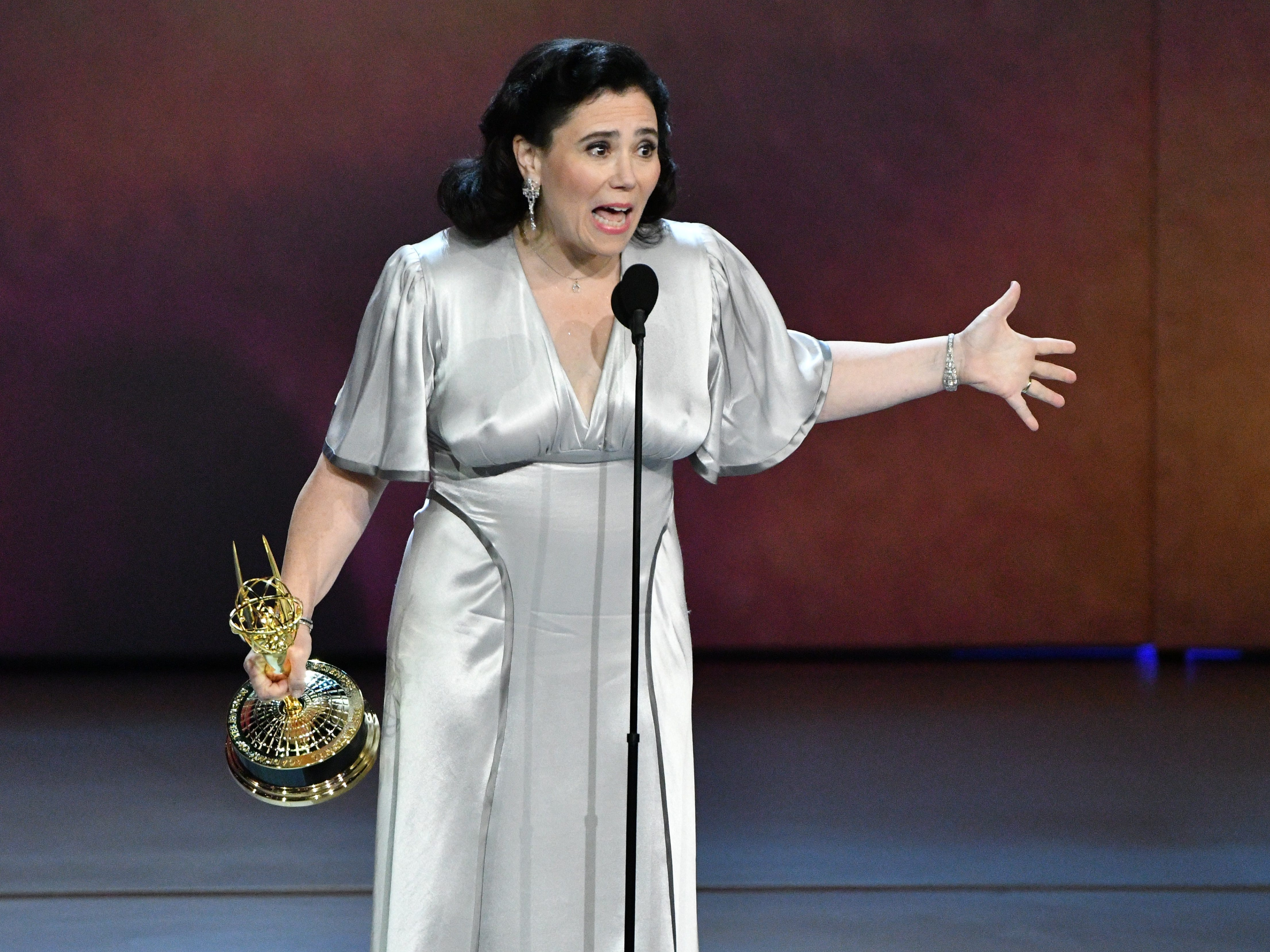 """Alex Borstein accepts the award for supporting actress in a comedy series for her role in """"The Marvelous Mrs. Maisel"""" on Amazon Prime Video."""