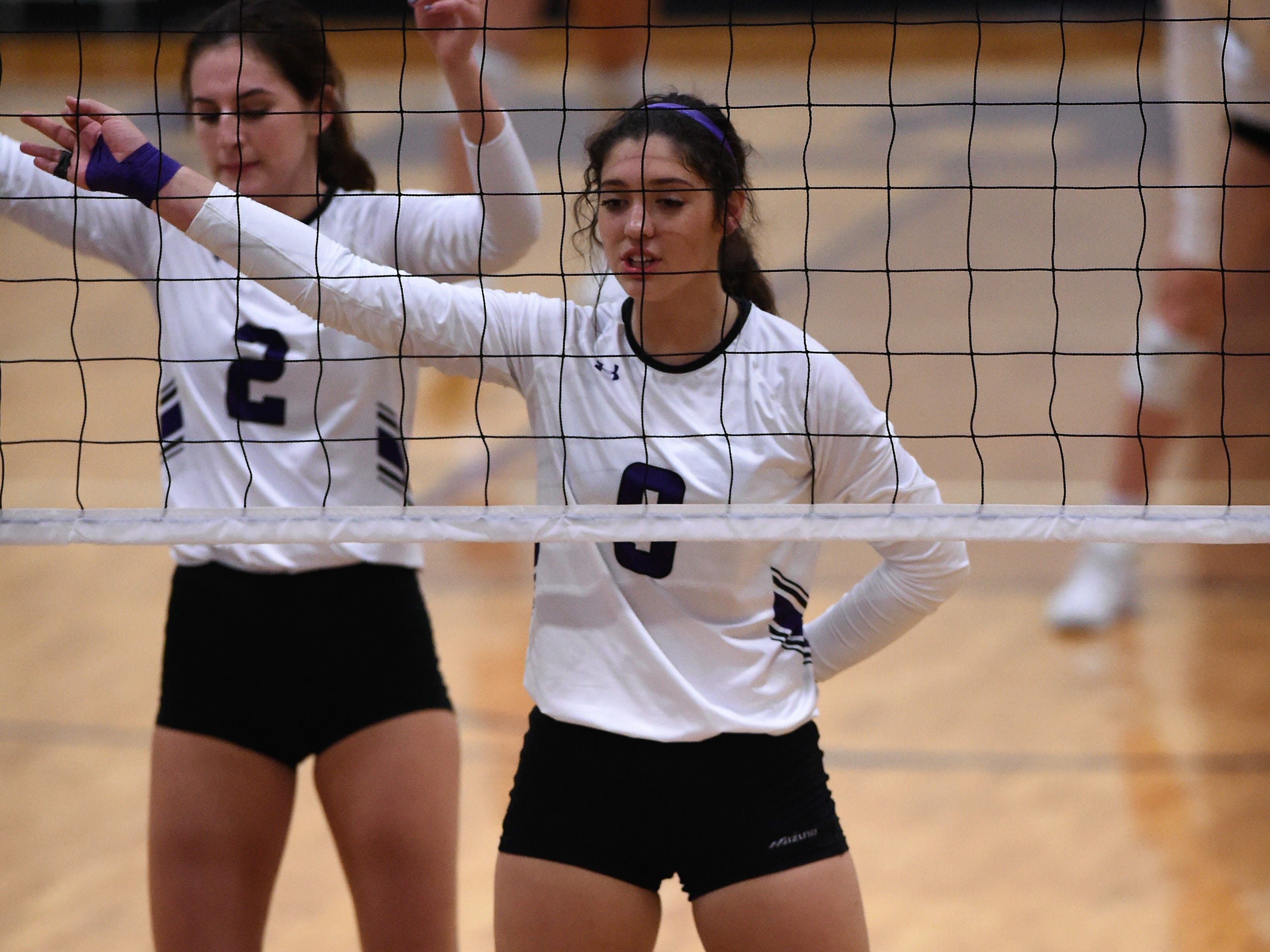 Wylie's Keetyn Davis (9) returned to the court from an injury for the first time for the Lady Bulldogs' sweep of Big Spring on Tuesday, Sept. 18, 2018.