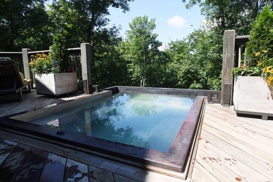 Bobbye and Ken Bowdon's infinity hot tub.
