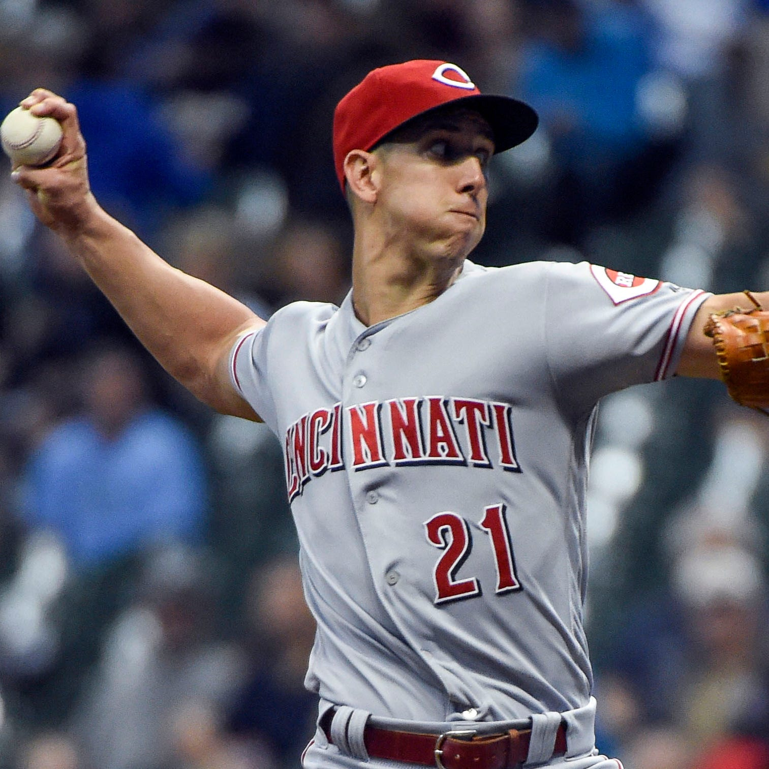 Michael Lorenzen solid in 1st start since 2015 as Cincinnati Reds beat Milwaukee Brewers