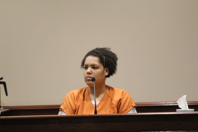 Sandra Murphy testifies about her aunt's slaying Wednesday.