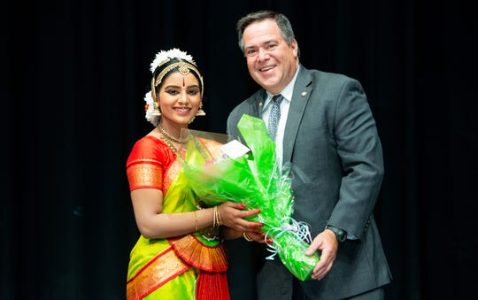 Cynthia Kalaivan and Bridgewater Township Mayor Daniel J. Hayes, Jr. at her debut performance in Bharathanatyam on August 25 at the Montgomery High school, Skillman, New Jersey.