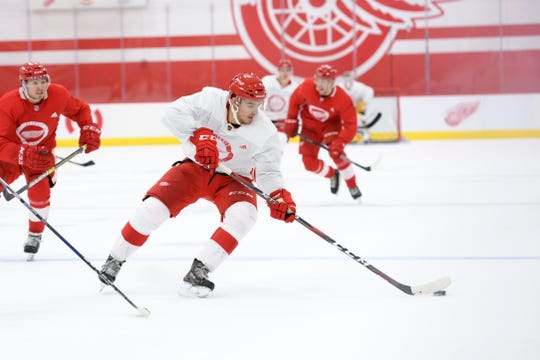 """Jeff Blashill on Joe Veleno: """"He can create space with his edges and he makes a lot of plays in small areas."""""""