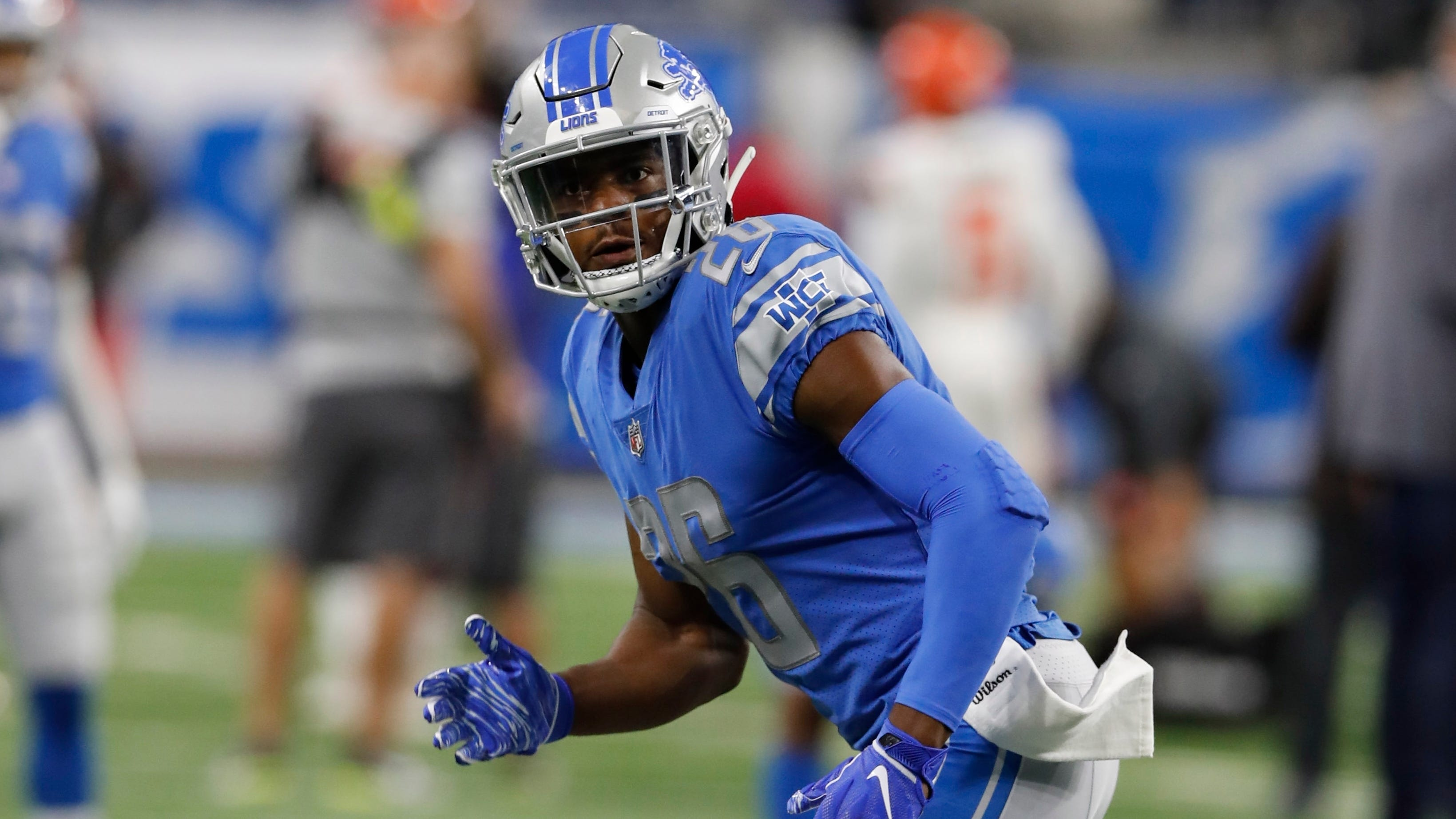 Cornerback DeShawn Shead, a free-agent addition this offseason, rejoins the Lions after he was one of the team's more surprising cuts at the end of the preseason.
