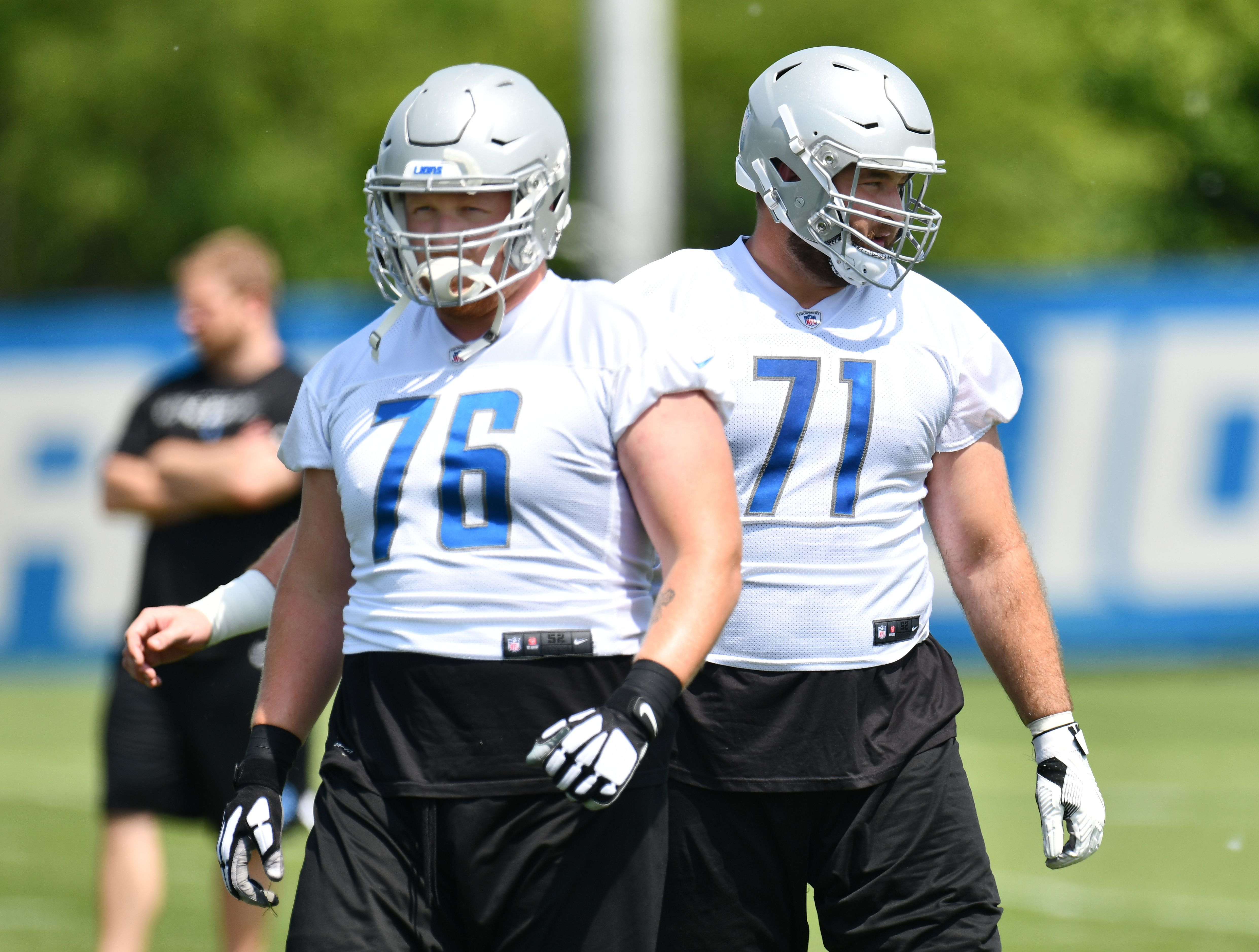 Detroit Lions guard T.J. Lang (76) returned to practice Wednesday.