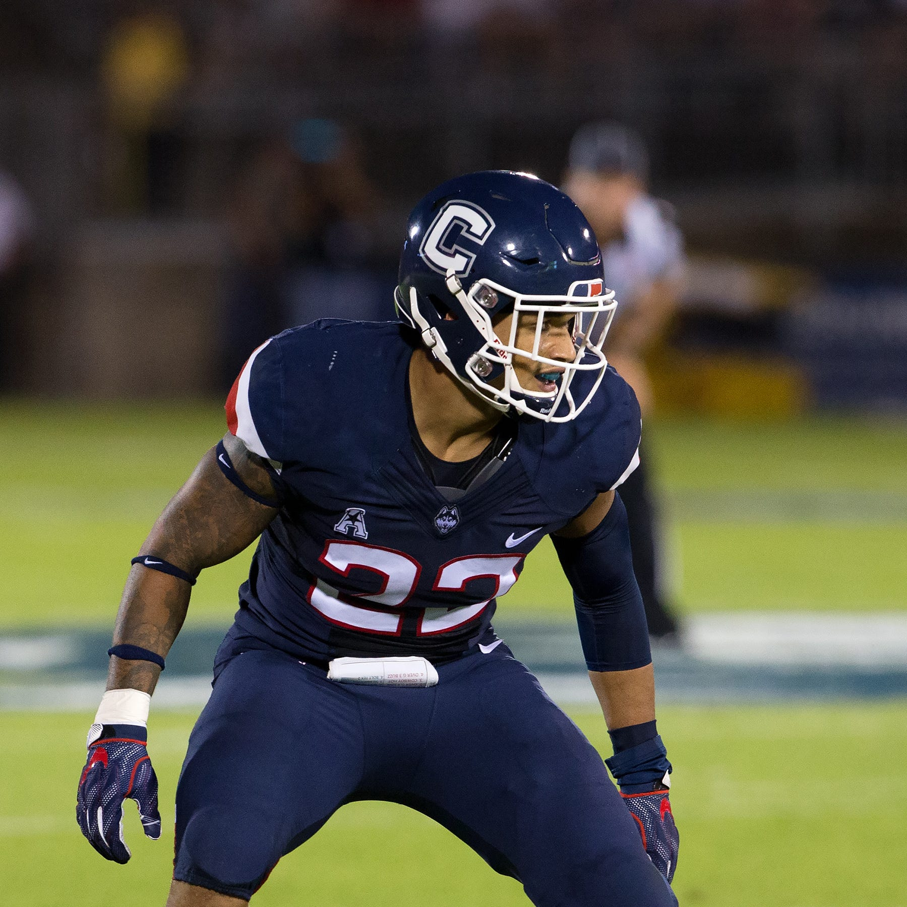 Elmira native, UConn linebacker Eli Thomas hospitalized after suffering stroke