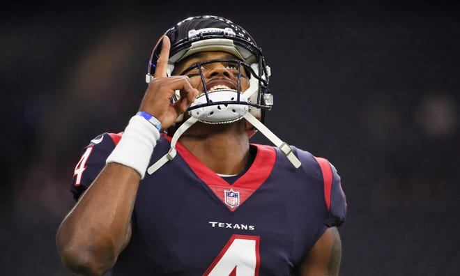 Houston Texans quarterback Deshaun Watson (4) warms up before an NFL football game against the Kansas City Chiefs, Sunday, Oct. 8, 2017.
