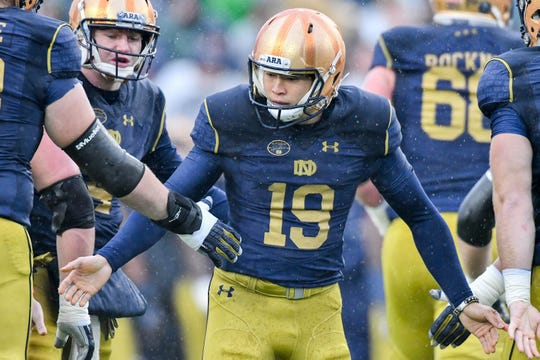 Yoon celebrated after kicking a field goal in the first quarter against the Navy Midshipmen at Notre Dame Stadium in 2017.