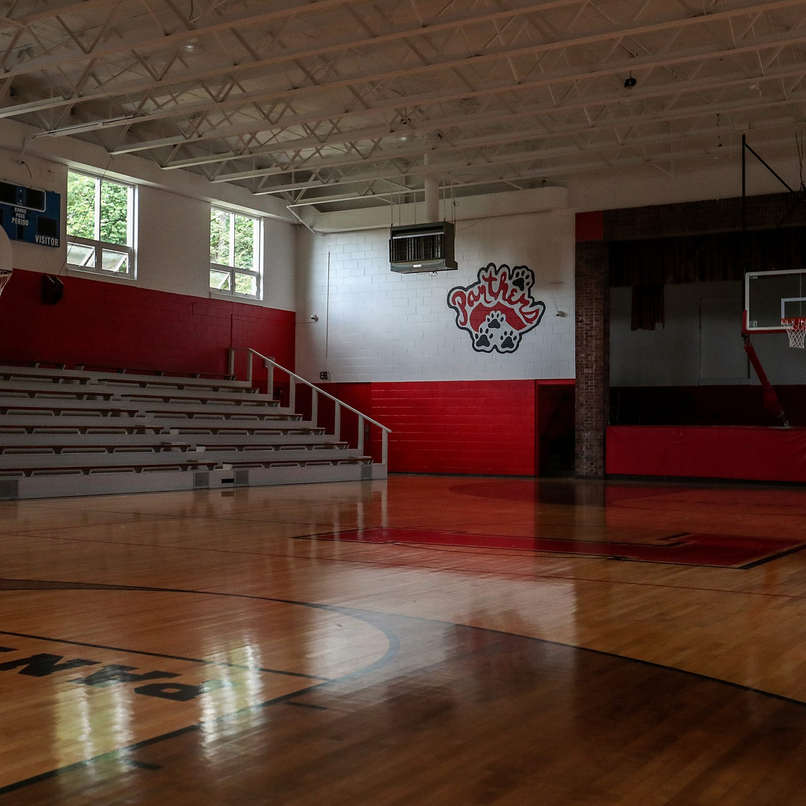 Doyel: Can the basketball gym of a long-closed high school save Laurel, Ind.?