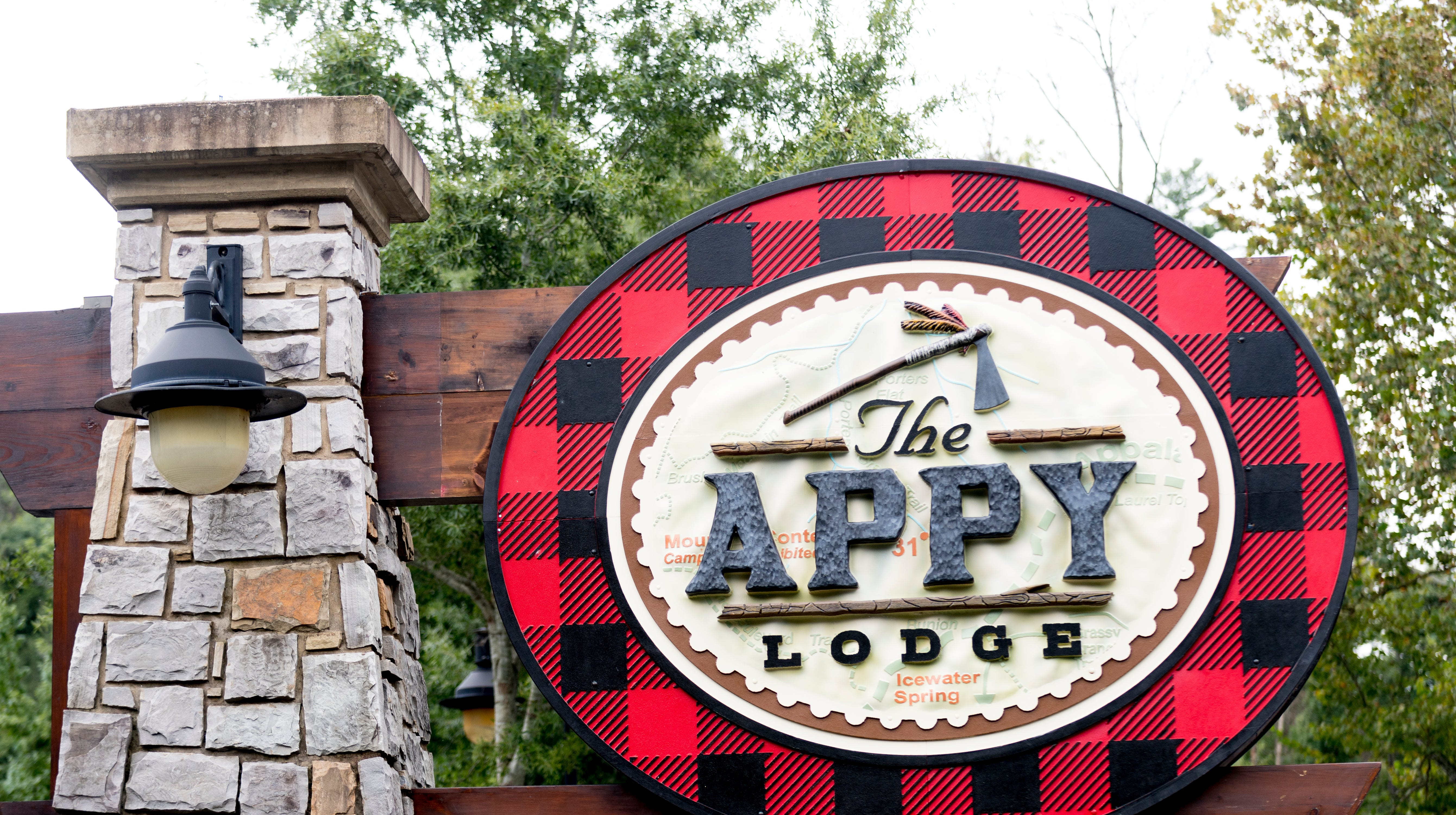Gatlinburg's The Appy Lodge pays homage to Appalachian Trail