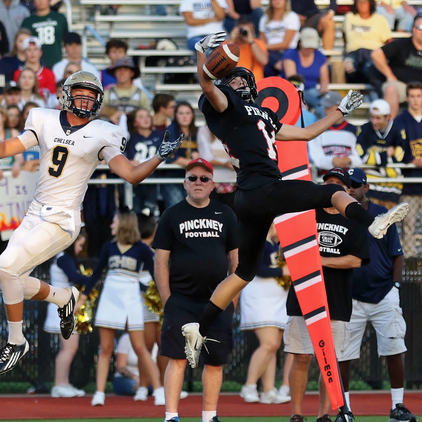 Backup quarterbacks at Hartland, Pinckney contributing elsewhere