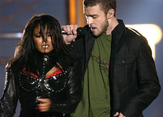"""FILE - In this Feb. 1, 2004 file photo, singers Justin Timberlake and Janet Jackson are seen during their performance prior to a wardrobe malfunction during the half time performance at Super Bowl XXXVIII in Houston. Timberlake says he has made up with Janet Jackson following the infamous """"wardrobe malfunction"""" at the Super Bowl in 2004. The singer says he and Jackson have talked privately about the incident."""