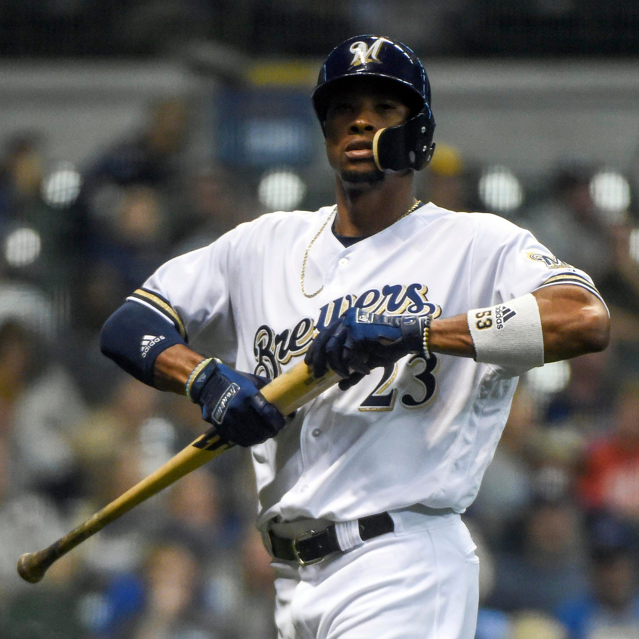 Vanishing offense slows down Brewers' final playoff push despite seemingly easy schedule