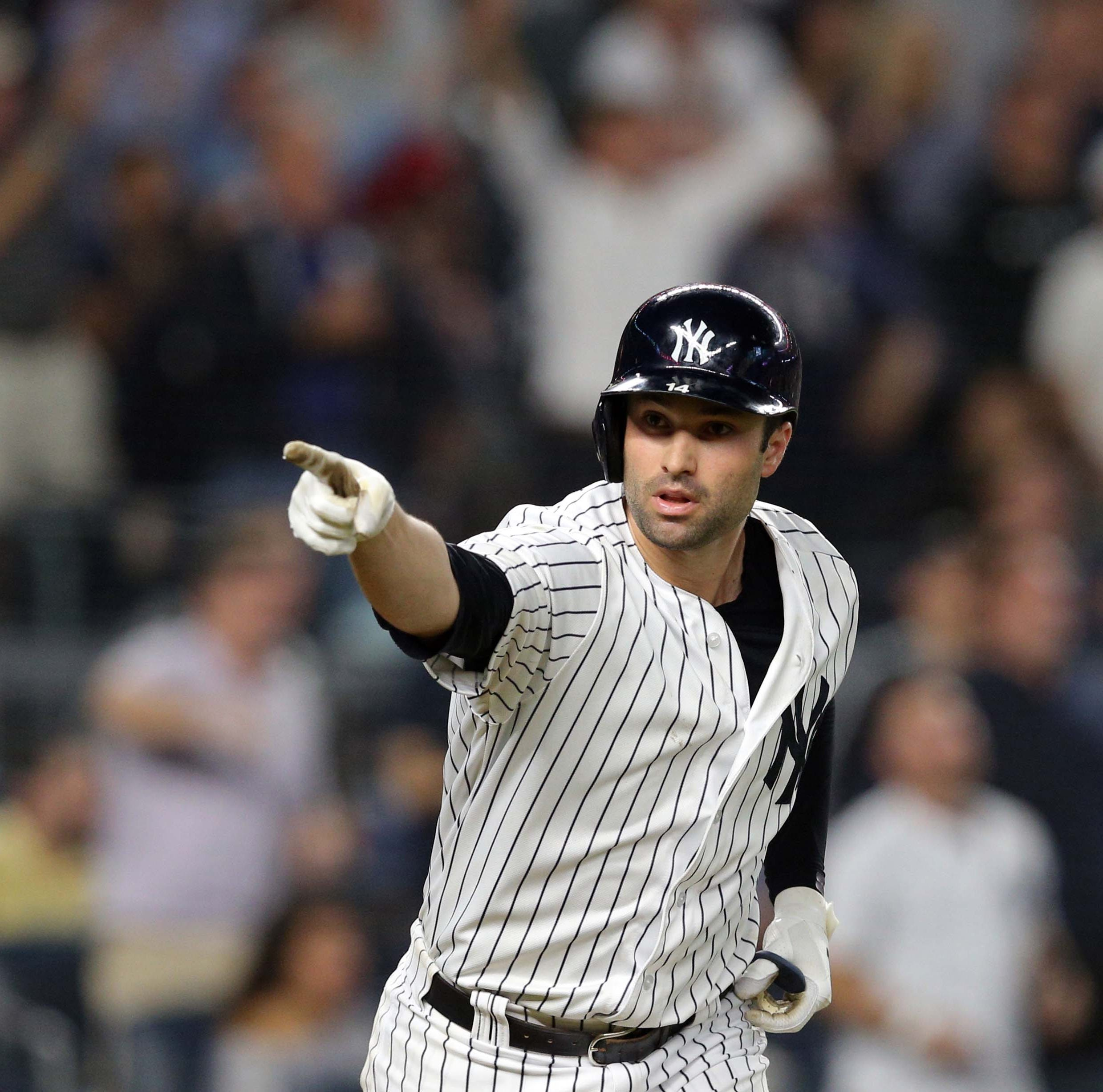 Yankees deny Red Sox AL East clincher thanks to Neil Walker HR