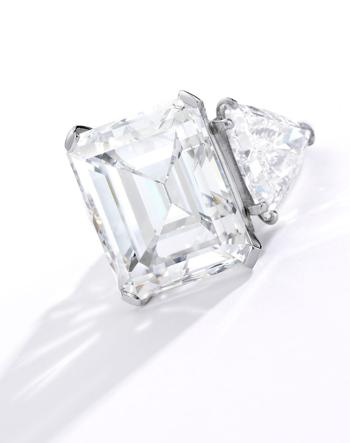 Barbara Sinatra diamond ring, weighing 20.60 carats