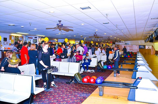 Participants compete at last year's Super Bowl Bonanza to benefit Mr. Robbins Neighborhood.
