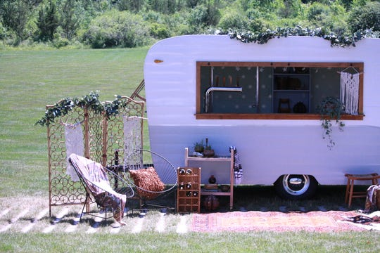 "Hudson Trailer Company provides tricked-out trailers for weddings, other events. ""Della"" features a full bar window, countertop, and four beer taps."