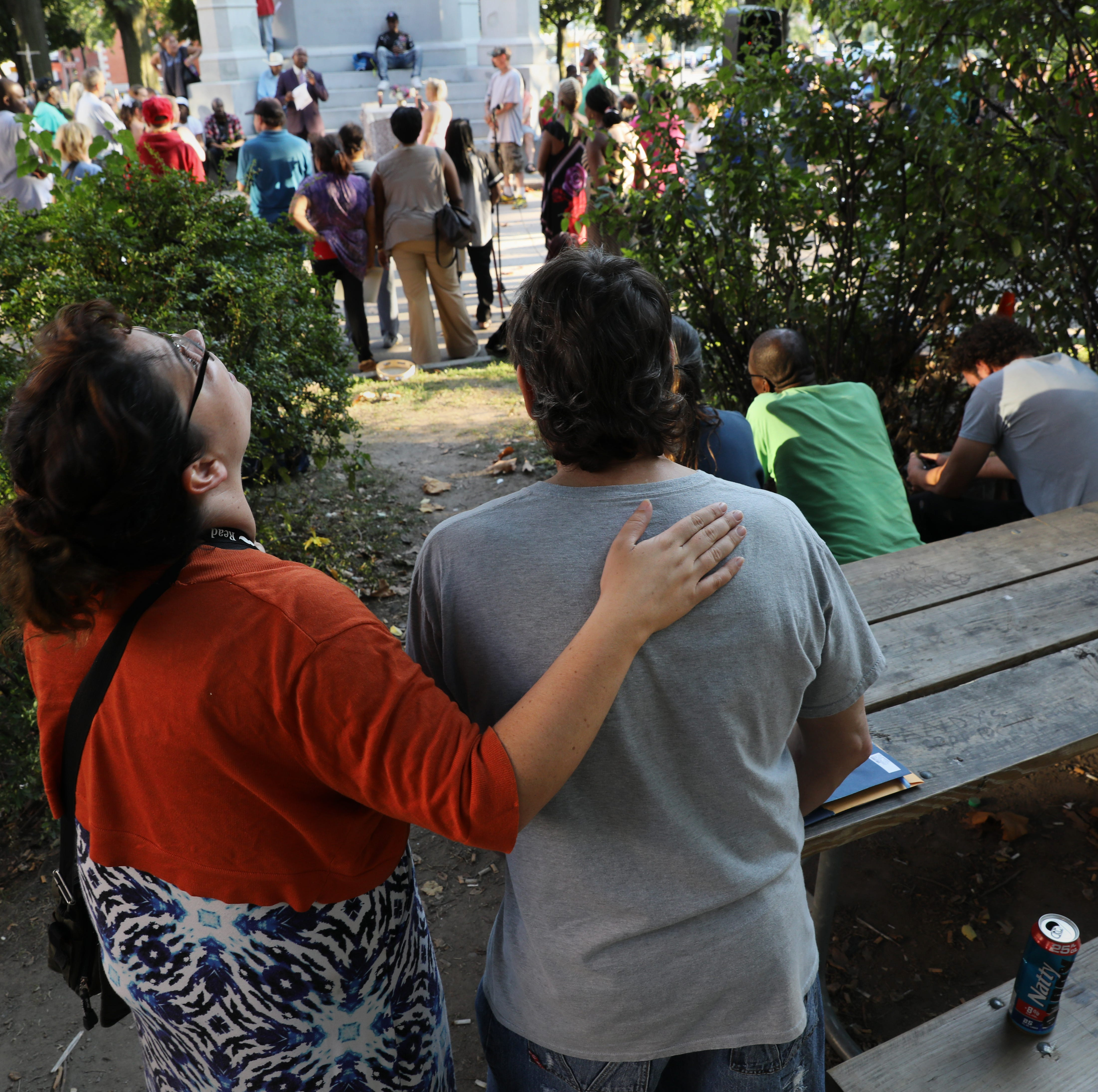 A homeless man dies in a park, and more than 120 turn out to mourn him