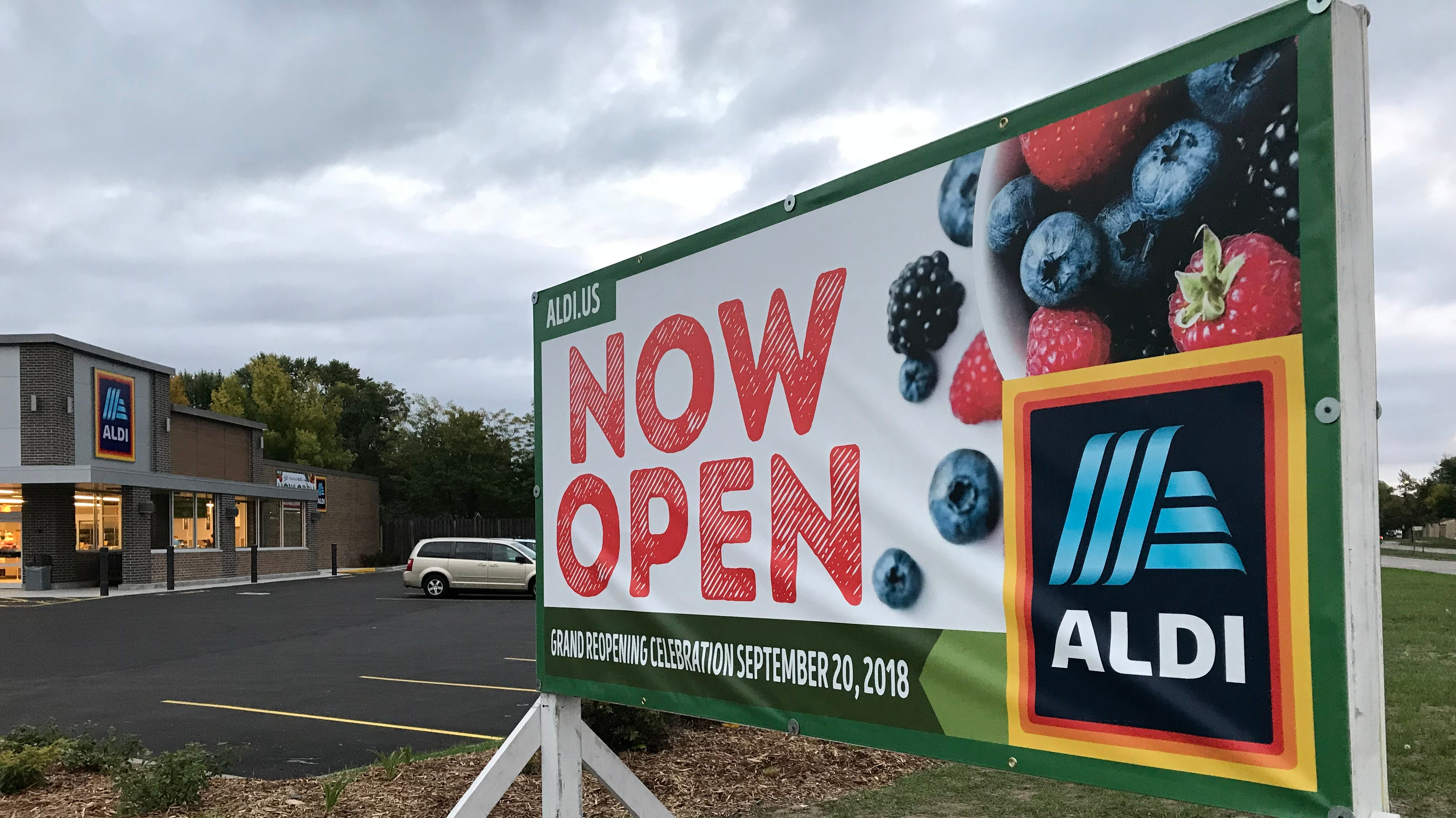Younkers, Aldi, Dunkin' Donuts in this week's Streetwise roundup
