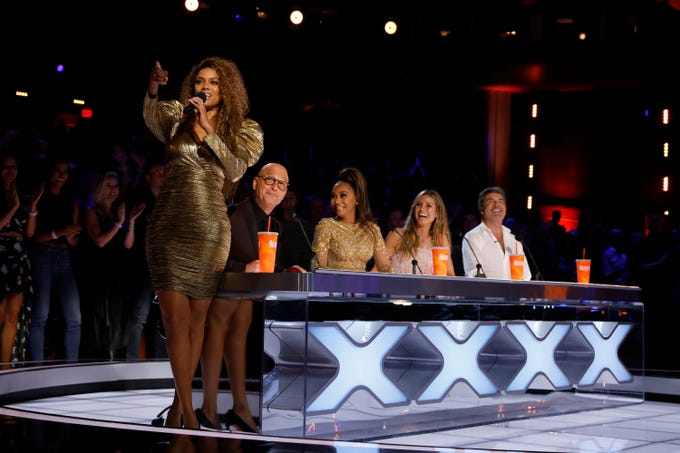 "AMERICA'S GOT TALENT --  ""Live Finale"" Episode 1321 -- Pictured: (l-r) Tyra Banks, Howie Mandel, Mel B, Heidi Klum, Simon Cowell -- (Photo by: Trae Patton/NBC)"