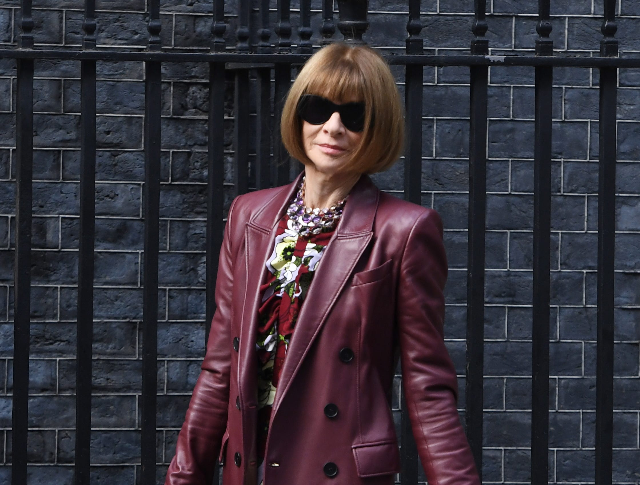 epa07030263 British-American journalist and editor-in-chief of US Vogue magazine Anna Wintour arrives to a reception hosted by Britain's Prime Minister in 10 Downing Street in London, Britain, 18 September 2018. The London Fashion Week featuring the Women's Spring-Summer 2018-2019 collections runs from 14 to 18 September.