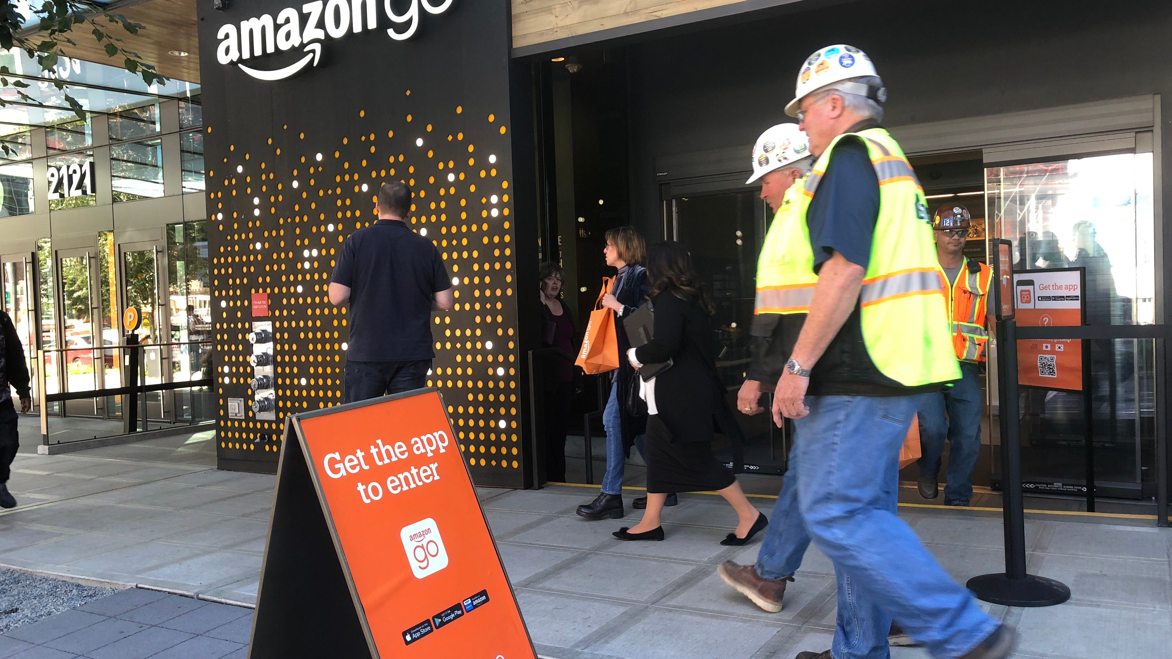 Amazon is planning to open up to 3,000 cashier-free stores by 2021, report says