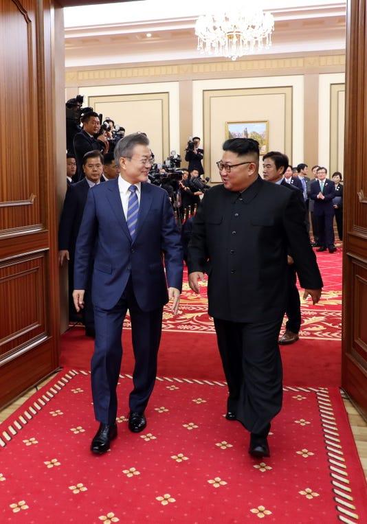Epa North Korea South Korea Summit Pol Diplomacy Kor