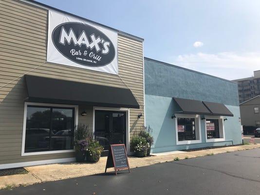 Maxs Exterior