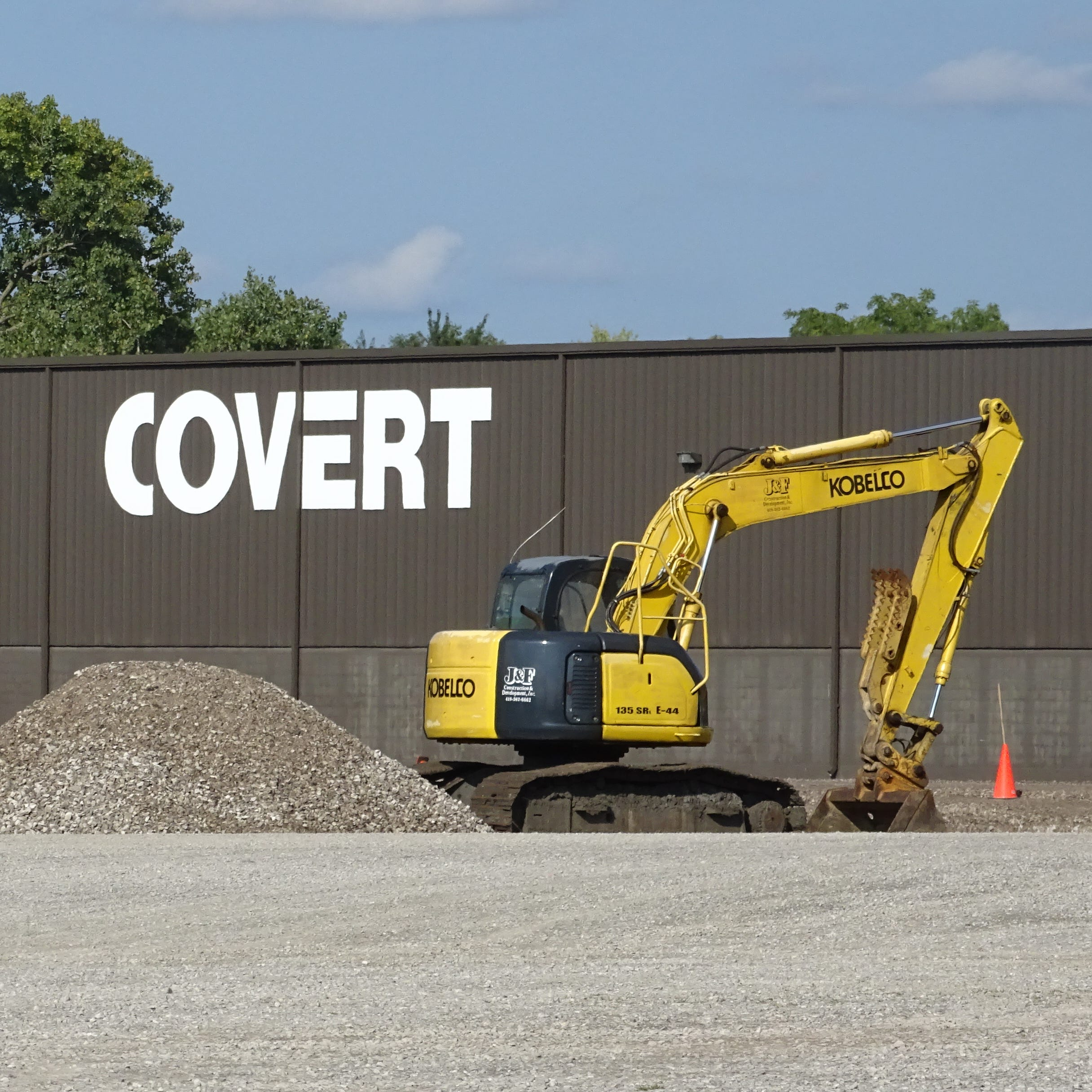 Covert Manufacturing has broken ground on a new Galion facility that will add about 35 new jobs.