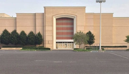 Moorestown Mall on Thursday announced Five Below will occupy the remaining space at a former Macy's store.