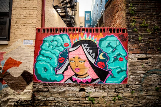 ÒQueen CityÓ designed by Girl Mobb is featured in Bolivar Alley in Pendleton as part of New Lines Alleyway Murals: Phase II by ArtWorks.