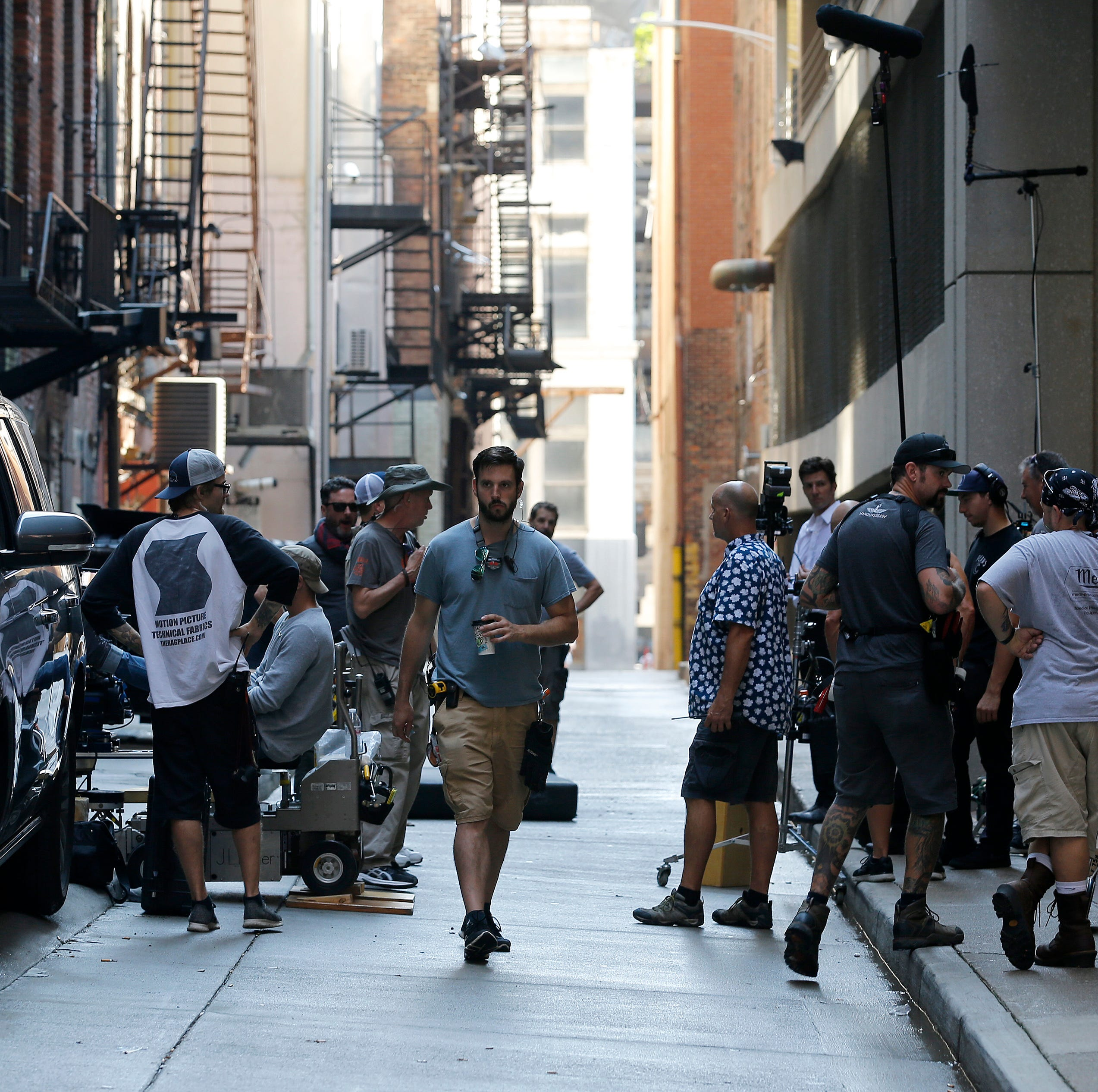 In wake of active shooter situation, faux gunfire for Downtown movie shoot continues
