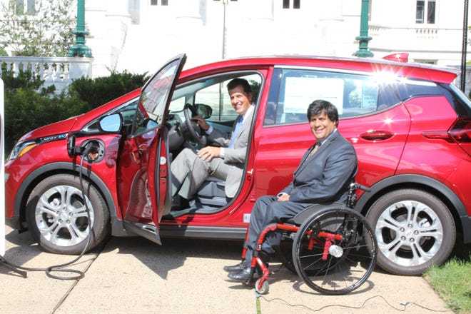 Somerset County Freeholder Director Patrick Scaglione and Freeholder Mark Caliguire have announced that Somerset County is poised to become a New Jersey leader in the use of electric vehicles.