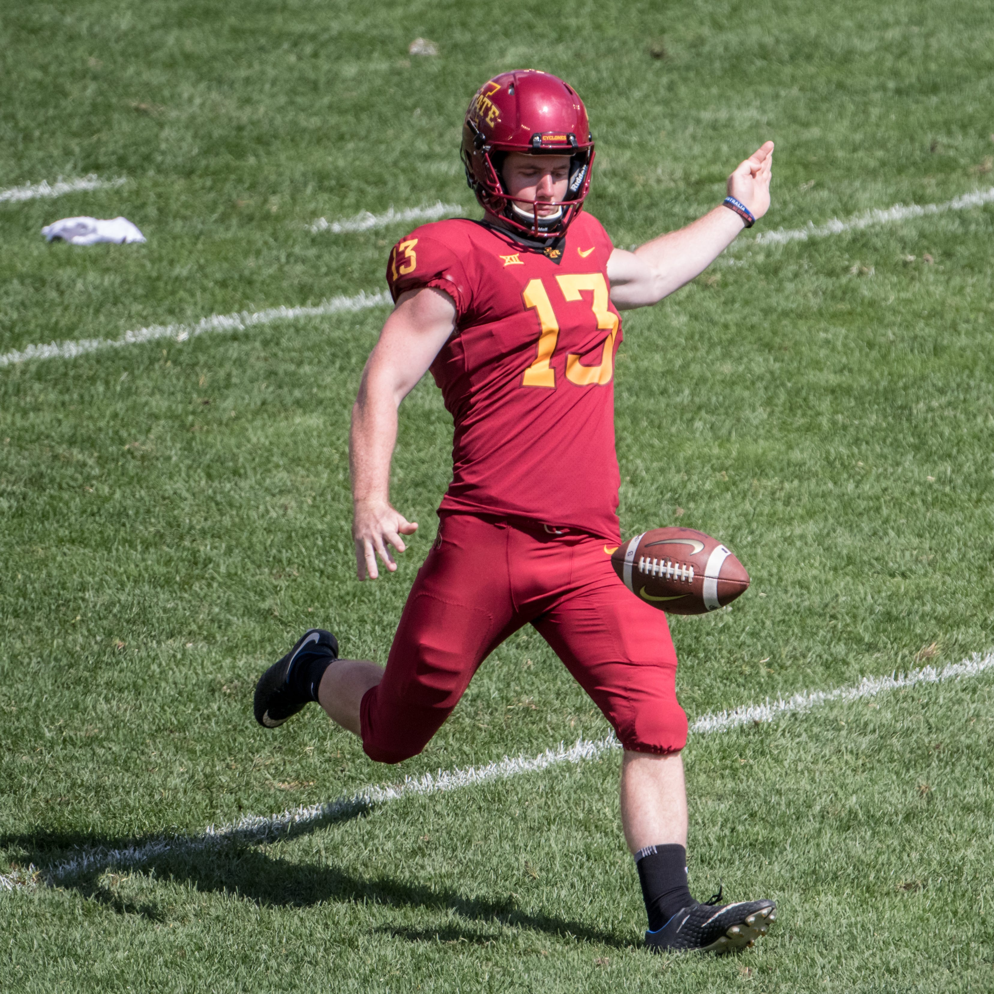 Talk from teammate helps turn around Iowa State punter Corey Dunn's season