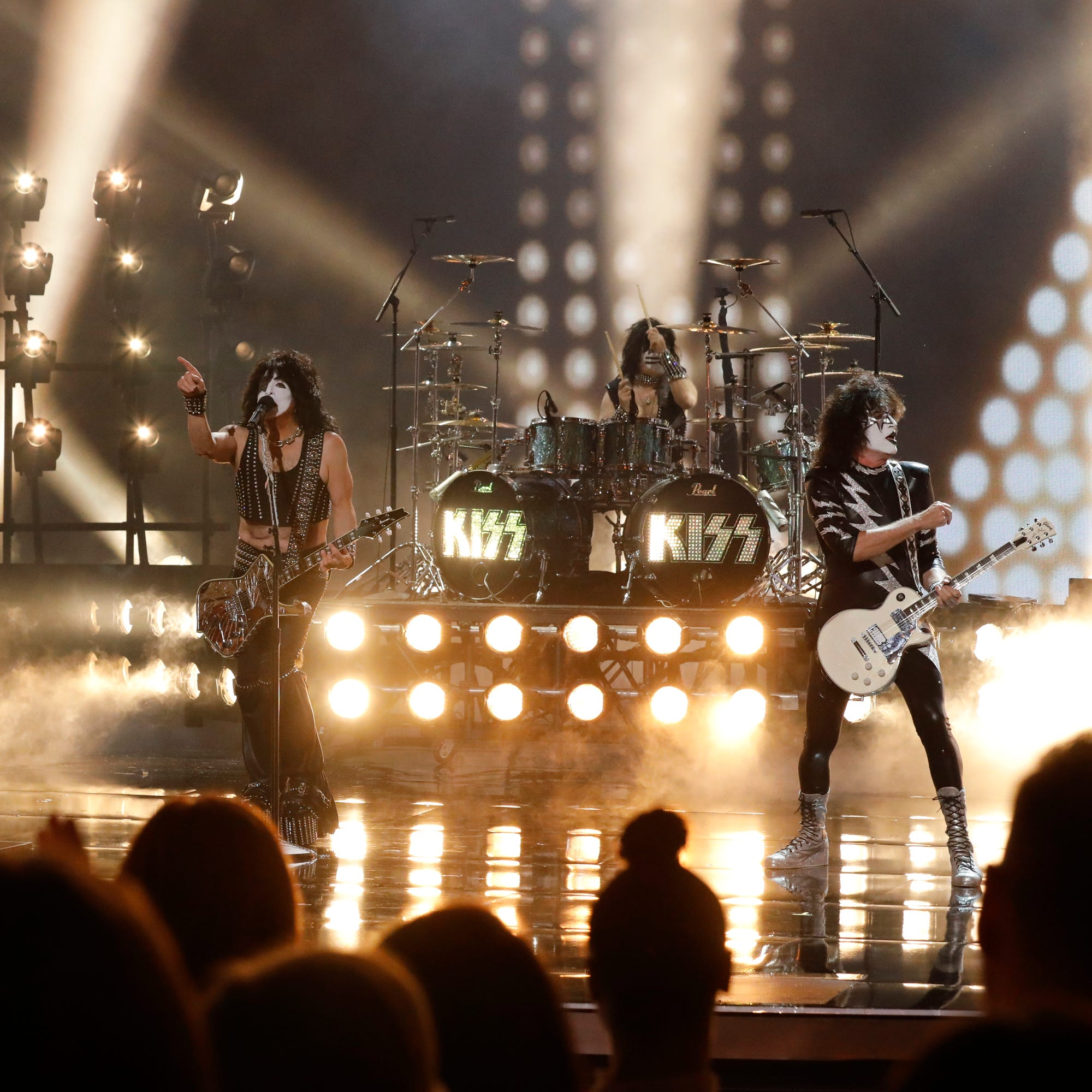 Kiss announces farewell tour with performance of 'Detroit Rock City'