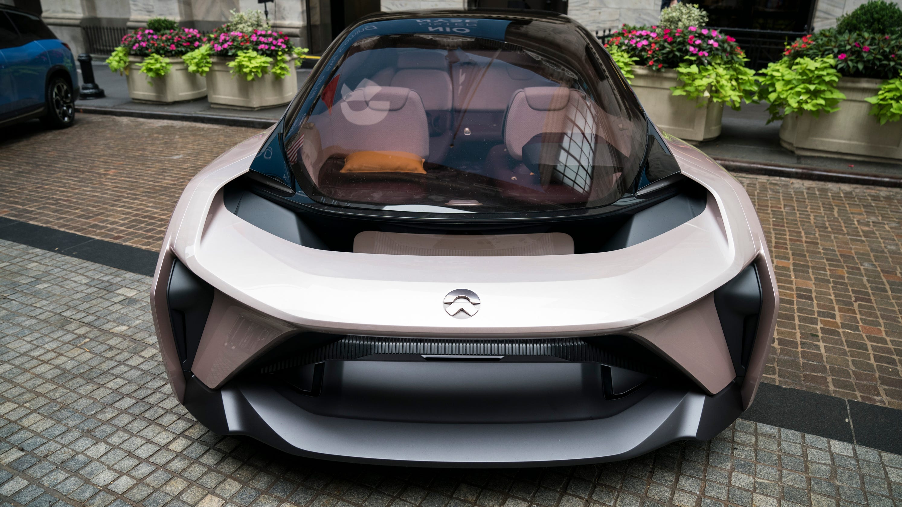 china's nio ups competitive pressure on tesla, rival automakers