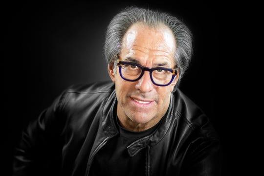 Richard Golden brings back Sexy Specs.