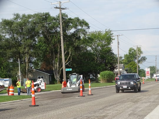 A paving project expected to last one month began Tuesday along East State Street in Fremont.