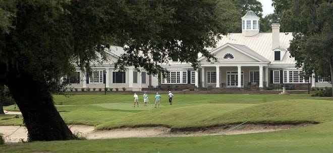 An undated photo of Pawleys Plantation on the 18th hole.