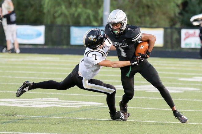 Zionsville's Jordan Hull (1) is a big-play threat for the Eagles.