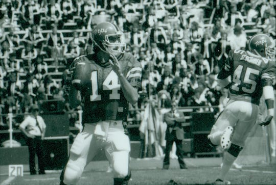 Frank Reich during his days at Maryland