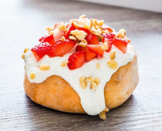 Cinnaholic Roll Strawberries Cream Sqare