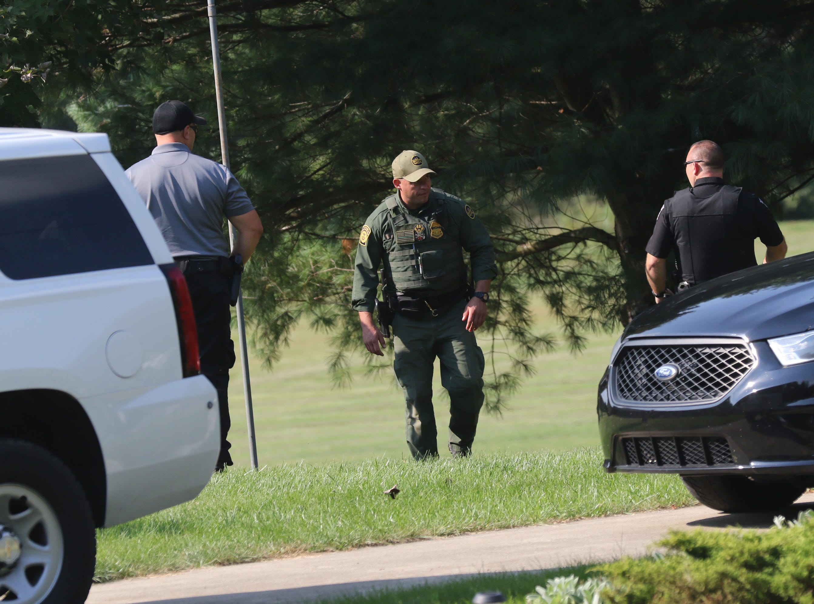 The manhunt for Shawn Christy continued in the area on Thursday afternoon as many federal and local law enforcement agencies looked for him.