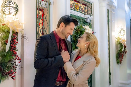 "Wes Brown and Kellie Pickler find love  on Elvis Presley's doorstep in the new Hallmark Channel movie ""Christmas at Graceland."""