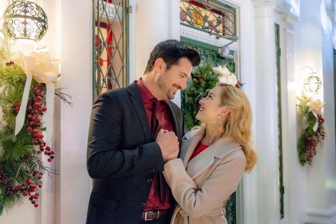 "Wes Brown and Kellie Pickler find love  on Elvis Presley's doorstep in the new Hallmark Channel movie ""Christmas at Graceland."""